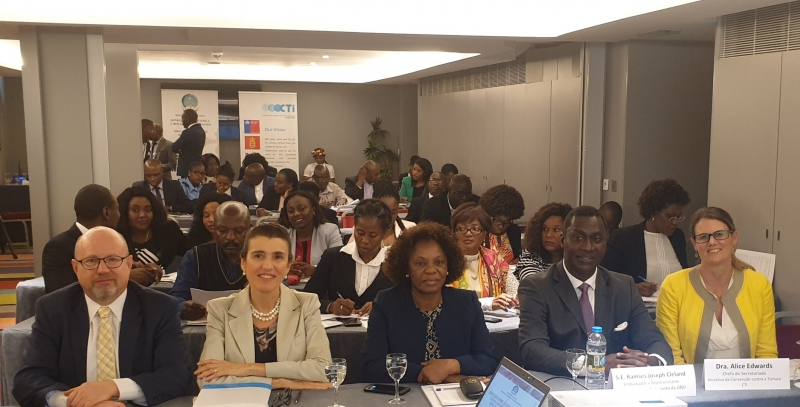 Participants and experts in the CTI-Angola seminar on UNCAT